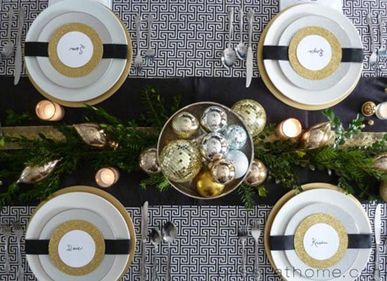 christmas table ideas decorating with silver and gold. Black Bedroom Furniture Sets. Home Design Ideas