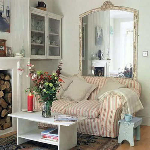 Mirror Deco in Living Room