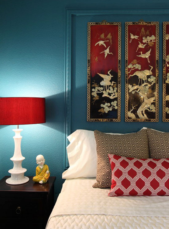 Decorating with color red white and blue for Chambre red wine