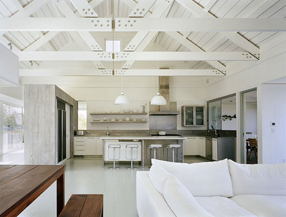 Ceilings ideas that have the wow factor for Vaulted ceiling with exposed trusses