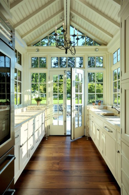 Sunroom decorating ideas 11 gorgeous rooms for French doors without windows