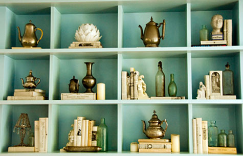 Decorating Bookshelves: 12 Helpful Tips & Ideas