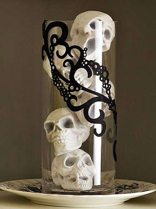 Fun halloween decorating ideas in black and white