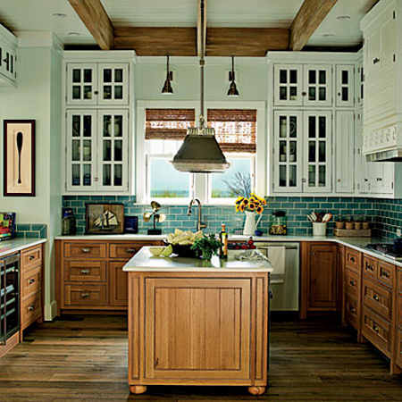 Contrasting kitchen cabinets stylish two tone looks for Southern kitchen design