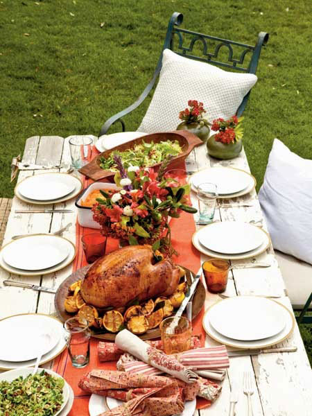 Tabletop tuesday outdoor thanksgiving table ideas for Ideas table decorations thanksgiving dinner