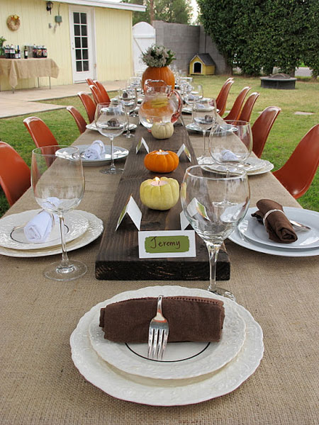 OutdoorThanksgivingTableIdeas06.jpg