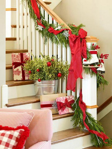 christmas decorating ideas 10 fun ways to decorate stairs decorating files christmasdecoratingideas - How To Decorate Stairs For Christmas