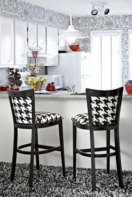 A Pattern With Character: Decorating With Houndstooth | Decorating Files | #houndstooth #pattern
