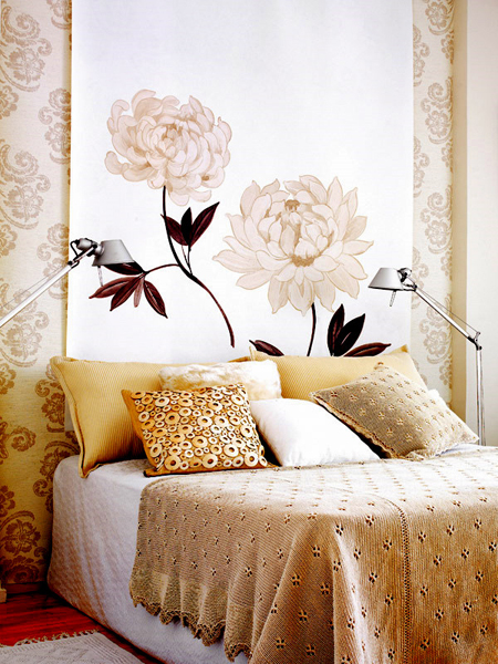 Floral Decor With A Modern Twist | Decorating Files | #floral #floraldecor #flowers