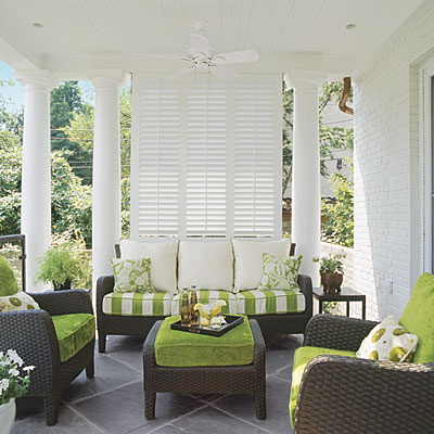 Outdoor Spaces: 10 Ideas for Creating Privacy | Decorating Files | #outdoorprivacy #outdoorspaces #patio