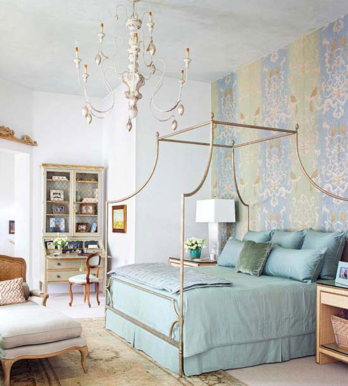 Bedroom decorating ideas what to hang over the bed - Things to put on a wall ...