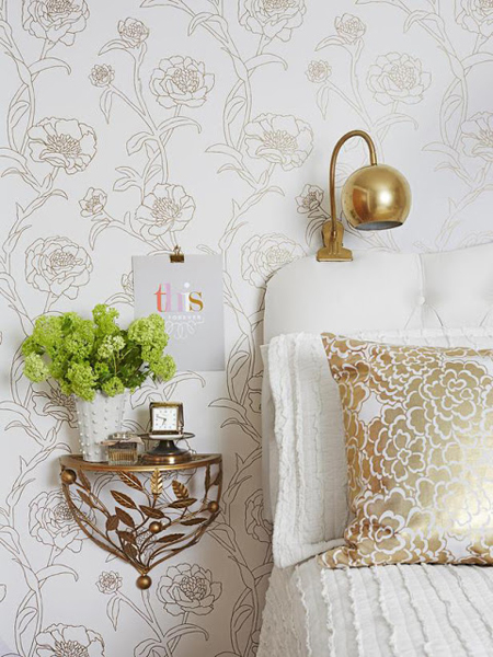 everything gold is new again decorating with gold accents. Black Bedroom Furniture Sets. Home Design Ideas