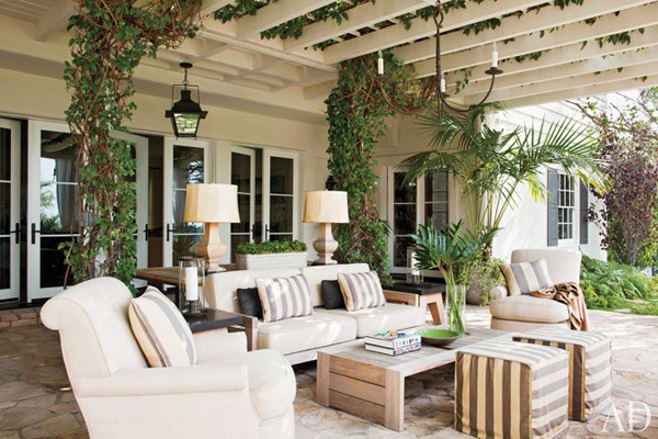 Outdoor spaces ideas for accessorizing patios and porches Outside veranda designs