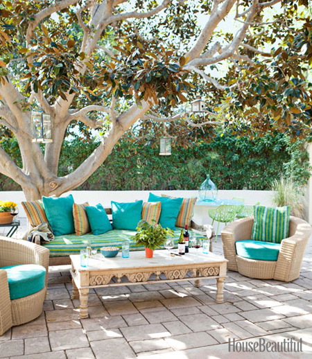 Outdoor spaces ideas for accessorizing patios and porches - Outdoor room ideas pinterest ...