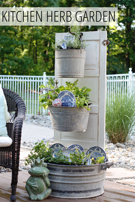 Diy outdoor projects to celebrate summer for Kitchen garden decoration