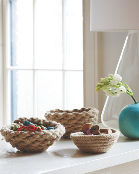 DIY Home Decor Projects: Create some fresh spring accessories for your home by making these cute rope bowls. They're so easy to make and look great in a grouping. Rope Bowl Tutorial