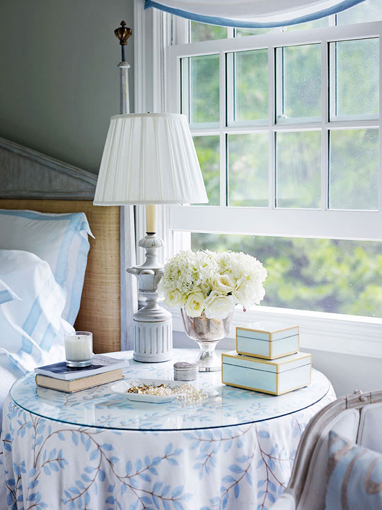 Cottage Style Homes: Wooden lamps have been painted to look like Swedish antiques.
