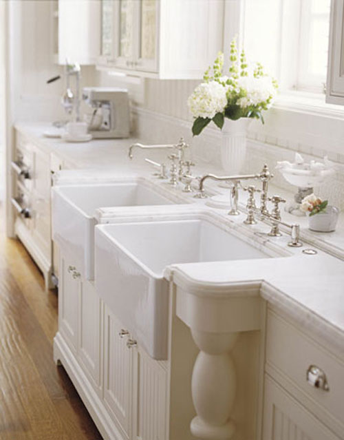 Farmhouse Sinks 14 Beautiful Designs For Inspiration The Decorating Files Www Decoratingfiles